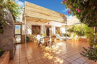 Majestätische Villa in Maro mit privatem Pool