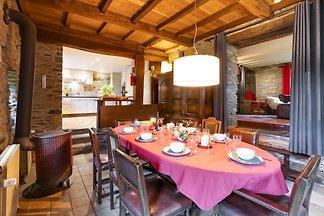 Schönes Ferienhaus mit Sauna in Houffalize