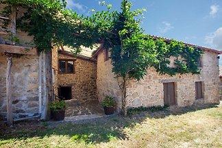 Stimmungsvolles Haus in Bauernhaus in der Rib...
