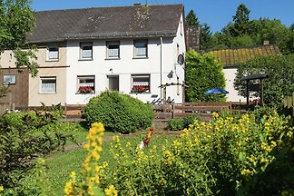 Schönes Ferienhaus in Ulmen mit Garten