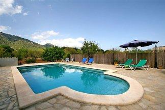 Schönes Ferienhaus in Campanet mit Schwimmbad