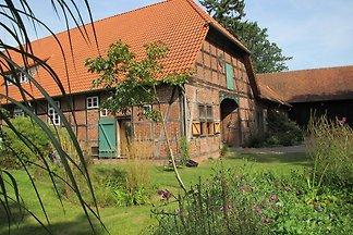 Historischer Fachwerkhof am südlichen Rand de...