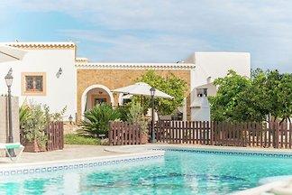 Charmante Villa mit Whirlpool in Benirrás