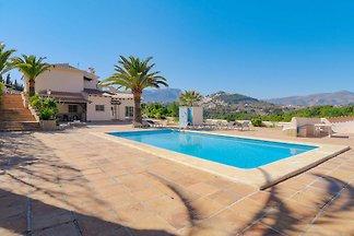Schöne Villa mit privatem Pool am Meer in...