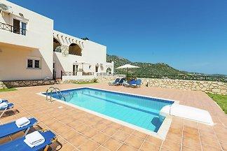 Villa on hillside, private pool, fantastic vi...