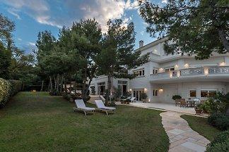 Wunderschöne Villa in Attika mit Sauna