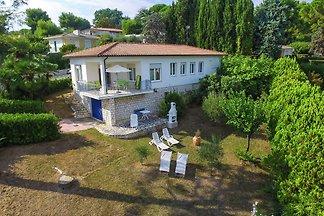 Geräumiges Ferienhaus mit Garten im Villaggio...