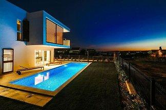 Moderne Villa mit privatem Pool in Kaštel...