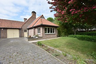 Family home in a quiet location with beautifu...