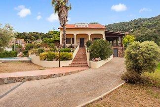 Moderne Villa in Tordera mit privatem Pool