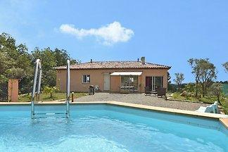 Gemütliche Villa mit eigenem Garten in...