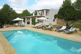 Großzügiges Ferienhaus auf den Balearen mit...