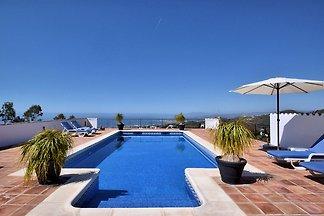 Wunderschöne Villa in Sayalonga Costa del Sol...