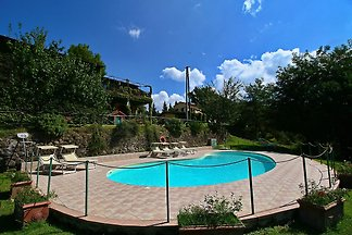 Elegant and broad Apartment in Torgiano with ...