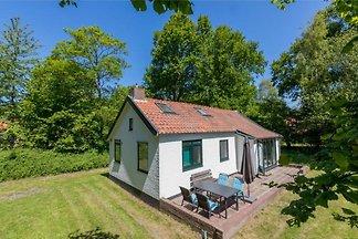 Attraktives Ferienhaus in ruhiger Lage mit gr...