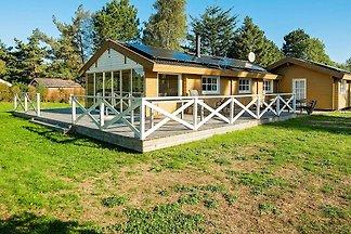 Charmantes Ferienhaus in Ørsted mit Sauna