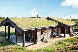Ruhiges Ferienhaus in Oksbol mit Terrasse