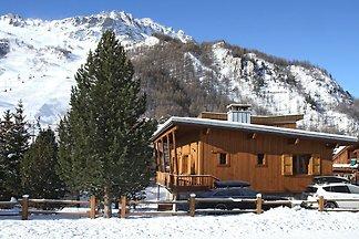 Schönes Chalet am Skilift Bellevarde im Espac...