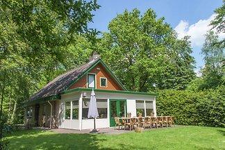 Arendshorst to przytulny dom z 2 piętra.