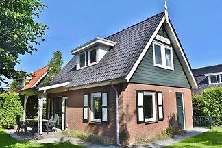 Schönes Ferienhaus in Zonnemaire für 6 Person...