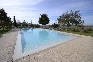 Tranquilla villa con piscina privata a...