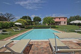 Villa auf dem Land mit Swimmingpool in...