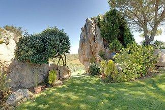 Schöne Villa in Baia Sardinia mit Garten