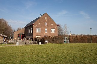 Schönes Ferienhaus De Bonte Haan in Limburg n...