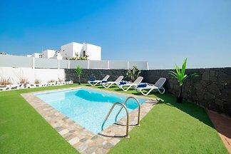 Attraktives Ferienhaus in Playa Blanca mit...