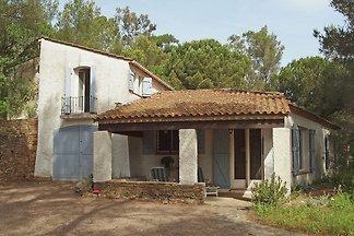 Geräumige Villa am Meer in Cavalaire-sur-Mer