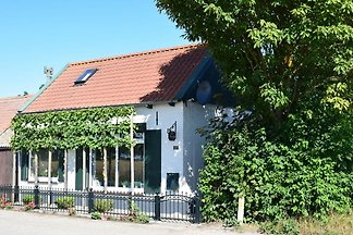 Gemütliches Ferienhaus in Schoondijke mit...