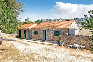 Charmantes Ferienhaus in Seline mit Garten