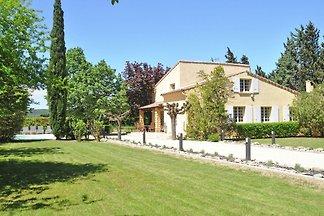 Geräumige Villa in Saze mit eigener Terrasse