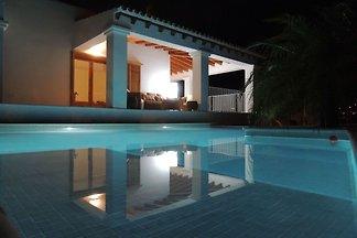 Warmes Ferienhaus mit eigenem Pool in St.
