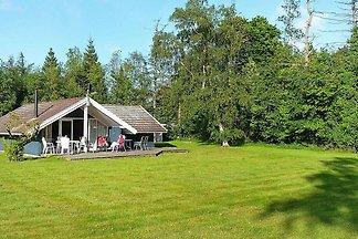 Schönes Ferienhaus in Falster mit Terrasse