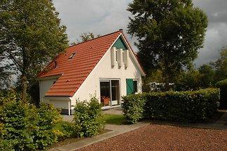 Geräumiges Haus mit Garten an den Langweerder...