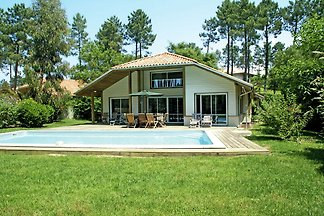 Schöne Villa mit privatem Swimmingpool, 900m ...