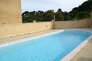 Gemütliches Ferienhaus in Sainte-Maxime mit e...