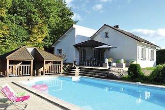 Gemütliches Ferienhaus in Dun-les-Places mit ...