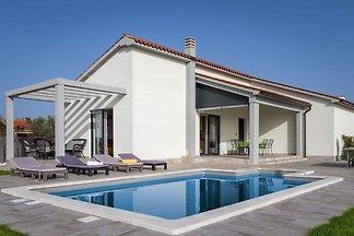 Schönes und modernes Ferienhaus in der Nähe v...