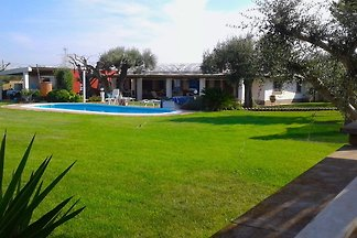 Geschmackvolles Ferienhaus in Anzio mit priva...