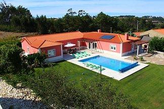 Budget-Villa m. Terrasse u.