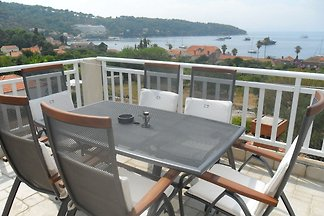 Attractive island apartment, private balcony ...