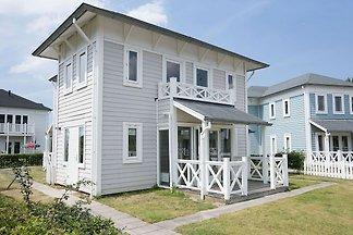 Neu gestaltete Villa mit Mikrowelle, Strand 6...