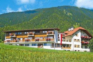 Appartementhaus Neumairhof, Rasen
