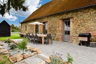 Gemütliches Ferienhaus in La Neuville-aux-jou...