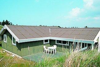 Modernes Ferienhaus mit Terrasse in Blokhus
