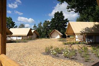 Schöne Zelthütte mit Veranda, das Efteling be...