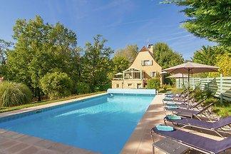 Wunderschöne Villa mit privatem Pool in...