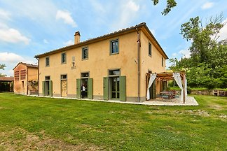 Luxurious Holiday Home in Ghizzano Italy with...